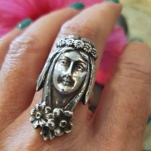 Beautiful Vintage Art Nouveau Hippie Lady Ring
